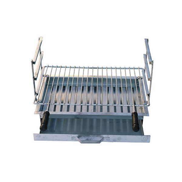 Complete grill for BBQ with removable ash collection tray for easy cleaning